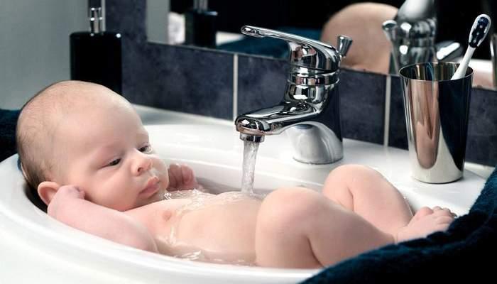 Первое купание ребенка после роддома