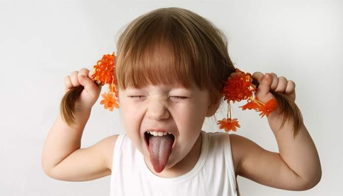 ребенку год постоянно капризничает что делать